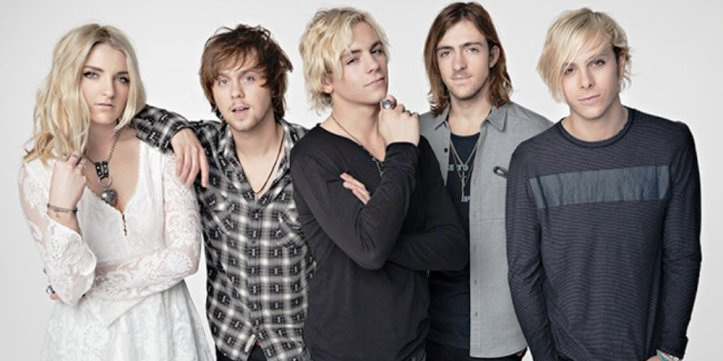r5-press-2015-billboard-650